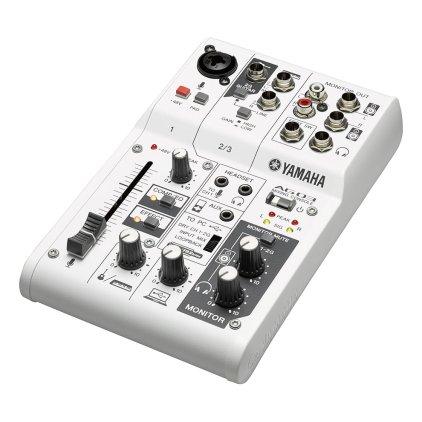 Микшерный пульт Yamaha AG03