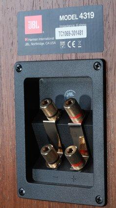 Полочная акустика JBL Control Monitor 4319 walnut