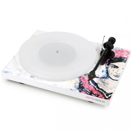Проигрыватель винила Pro-Ject Debut Carbon Esprit (DC) (2M Red) Special FRIDA