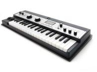 Синтезатор и пианино KORG microKorg XL+