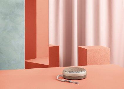 Портативная акустика Bang & Olufsen BeoPlay A1 sand stone