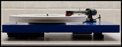 Проигрыватель винила Pro-Ject Debut Carbon Esprit (DC) blue (Ortofon 2M-RED)