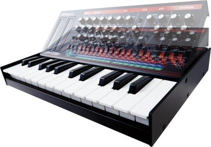 Клавишный инструмент Roland JX-03