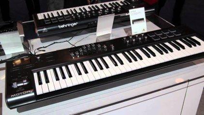 Миди-клавиатура Behringer MOTOR 61
