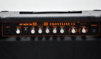 Комбо усилитель Nux Frontline 15