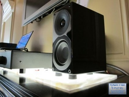 Полочная акустика System Audio SA Saxo 1 High Gloss White
