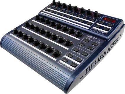 DJ-контроллер Behringer BCR2000
