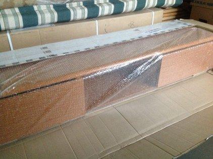 Подставка Akur Decollo 2 с плазмастендом (каркас: миланский орех + фасад: миланский орех + основание: черный + стекло: черное + плазмастенд: черный)
