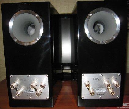 Полочная акустика Heco Celan GT 302 piano white (пара)
