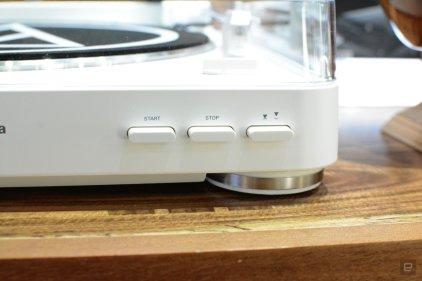 Проигрыватель винила Audio Technica AT-LP60BT White