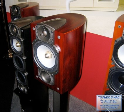 Полочная акустика Paradigm Studio 20 v.5 piano black