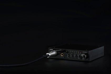 Усилитель для наушников Fostex HP-A4BL