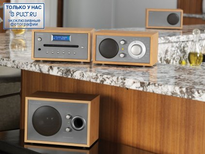 CD-проигрыватель Tivoli Audio Model CD walnut/gold (MCDWLGB)