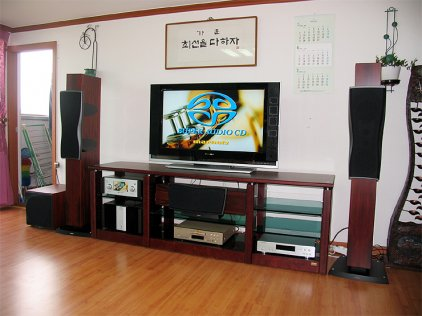 Центральный канал Dynaudio Confidence Center Platinum bordeaux laquer