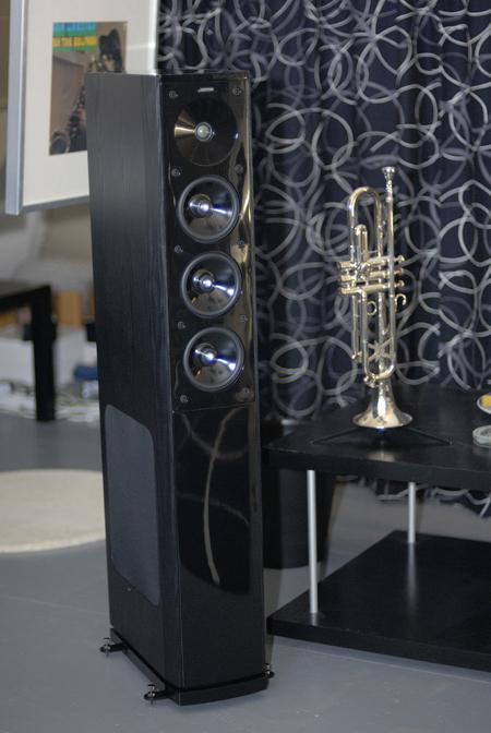 Комплект акустики jamo s608 hcs3 в интерьере